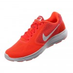 Γυναικείο Αθλητικό Παπούτσι Nike Revolution 3 819303-800